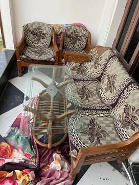 5 seater sofa set with centre table of 8mm toughned glass
