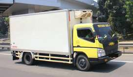 Sewa truk jasa pengiriman dengan double engkel (sedia truk besar lain)