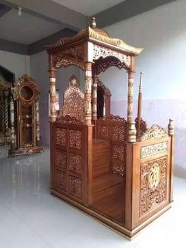 Mimbar khotbah masjid model ukiran kayu jati.