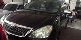 Toyota innova G manual  MT 2006 hitam