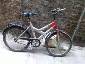 Avon cycle In very good condition and all the parts are also excellent