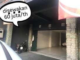 Disewakan ruko 2 lantai di Jl.Kebo Iwa Selatan cocok utk usaha bisnis