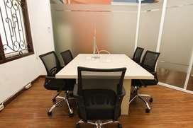 Ruang Kantor Kapasitas 4 - 5 Orang + Private Balcony