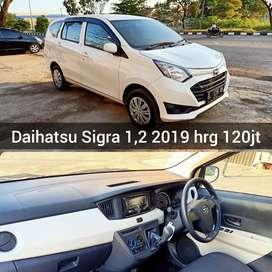 Daihatsu Sigra 1,2 manual 2019 bisa proses kredit bsa tukar tambah 777
