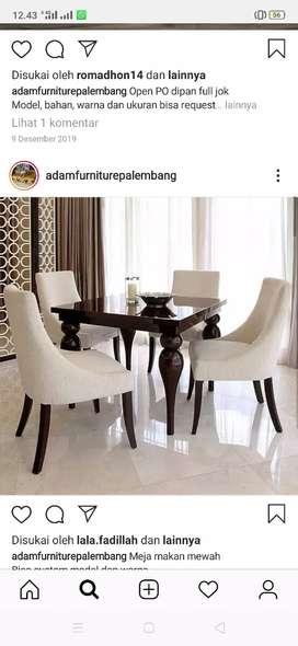 Meja makan mewah