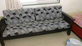 Sofa set is good candision