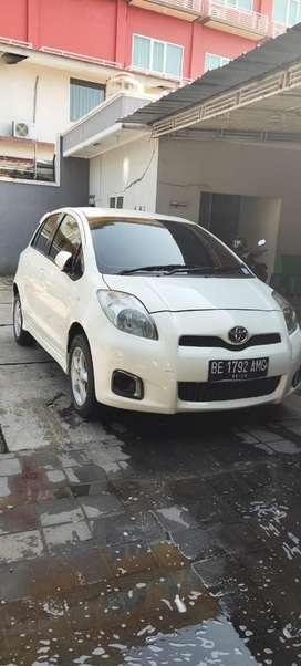 Toyota Yaris Matic type E 2013
