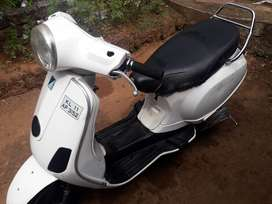 Vespa scooter good vehicle excellent working condition l
