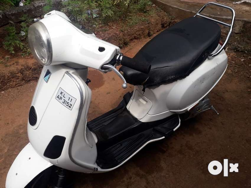 Vespa scooter good vehicle excellent working condition l 0