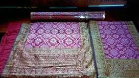 Songket Tenun asli Palembang warna pink
