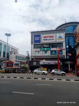 Comercial building 2400sqft secretariats opposites