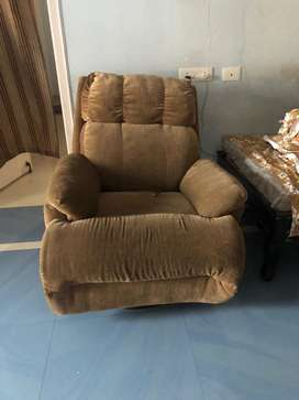 Recliner for immedate sale