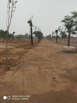 300sqyd land available for sale in gurgoan