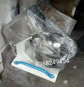 25 DAYS OLD UNUSED COMMERCIAL DOUGH KNEADING MACHINE  dought MIXER