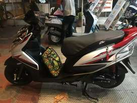 Yamaha Ray Z in good condition for urgent sale