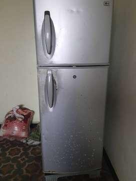 LG doubledoor refrigerator