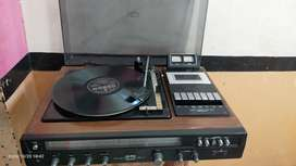 ONKYO Record player TaPE and radio Everything ok . Model number F- 17