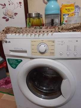 Mesin cuci bekas sudah 1 tahun di pakai