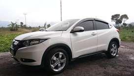 Mobil HONDAHRV PUTIH 2015