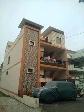 2 BHK ATTACHED BATHROOM, AC ROOMS,1 DRAWING ROOM,LOBBY,1st floor.