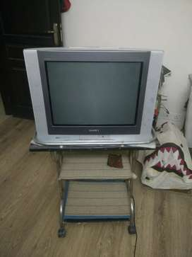 Sony TV Flat CRT 21 inch in very good working condition.