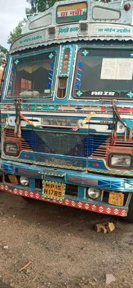 Tata 2518 10 wheeler