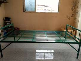 Causes of shifting argently wanted to sell Iron bed