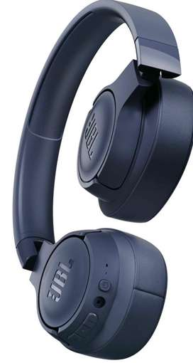 JBL Tune 700BT by Harman, 27-Hours Playtime with Quick Charging,