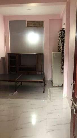 Single room available for rent near geeta bhavan /palasia