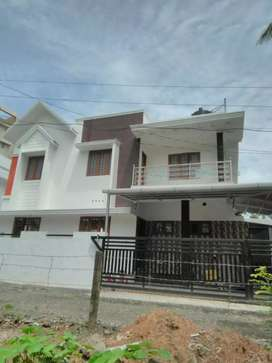 3.25 cent 1500 sqft 3 bhk new build house at kakkanad near kangarapady