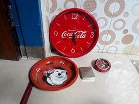 Pernak pernik coca cola,jam dinding,jam meja,tempat rokok,nampan