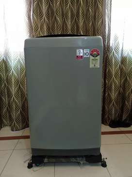 LG 7Kg Top Load Fully Automatic Washing Machine with rolling Stand