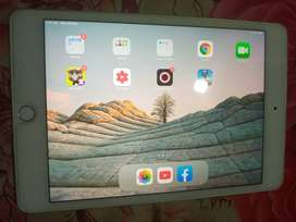 I pad mini 5 10/10 condition with 3month warnti