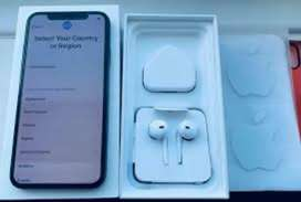 $$ Hi sell my apple iPhone model 6s selling xs max with bill box warr