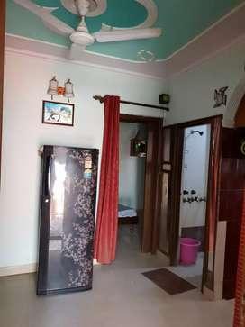 2bhk fully furnished price-15000/- nearby metro station and noida