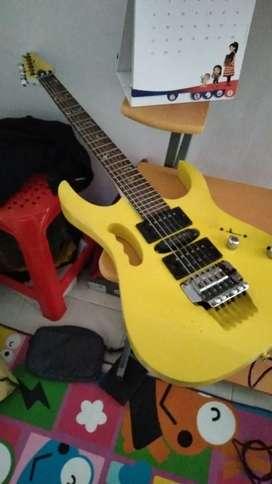 Jual guitar ibanez + i riq + efek
