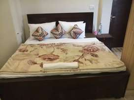Hotel 18 Furnised bed  rooms attac bath kitchen offic@rent 500000