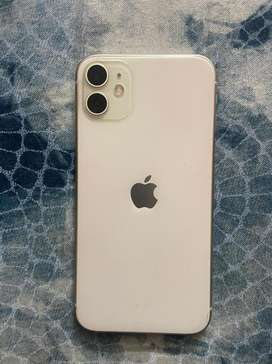 Iphone 11 64gb in very good condition not even a single scratch