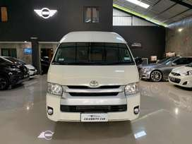 Toyota HIACE Commuter Manual Putih 2018 Diesel Like New Low Km 3 Rb
