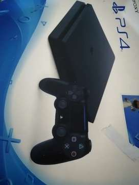 Ps4 slim in New condition 500gb