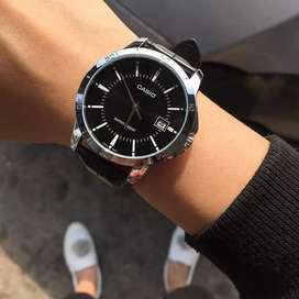 Jam tangan pria Casio Black V004 original