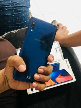 Samsung  A20 8 month us full kit with bill