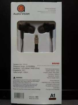 New AUDIO VISION hand free with extra base, smooth sound