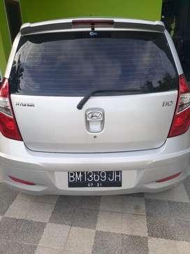 Di jual mobil hyundai i10 thn 2011