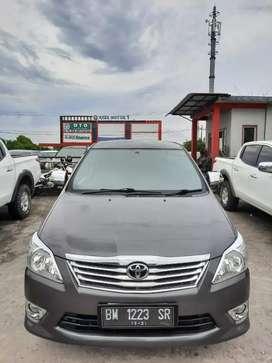 Innova 2012 G bensin matic. Km 63rb