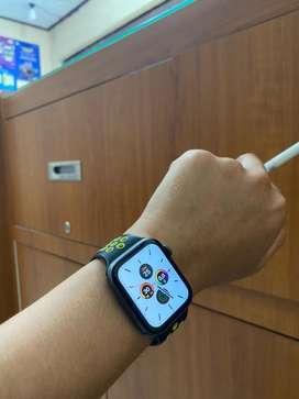 Apple watch series 4 44mm normal 100% & original Apple 100% kel unt cs