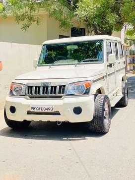 Mahindra Bolero 2015 Diesel music system  tyre 80-70% 295 no.