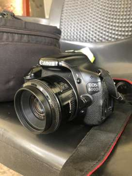 Canon 600 d 50mm box charger