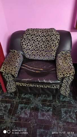 Sofaset - Used Condition Need to Repair