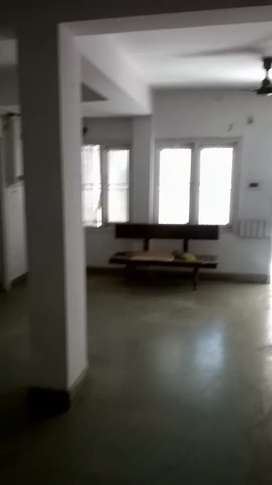 Fast floor commercial shop for rent
